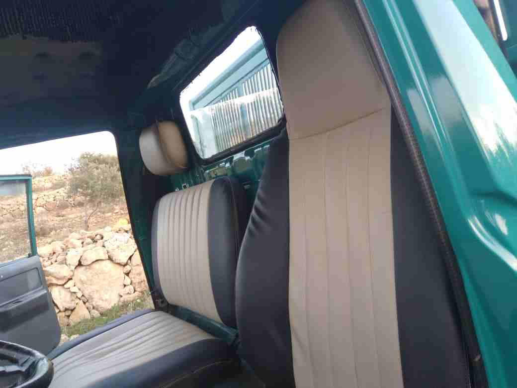 2013 Toyota Land Cruiser SUV, Full option for sale, the car is barely used for some months, the car is in perfect condition, no accident and it has perfect tire-  ديانا قلاب 1992 بحالة...