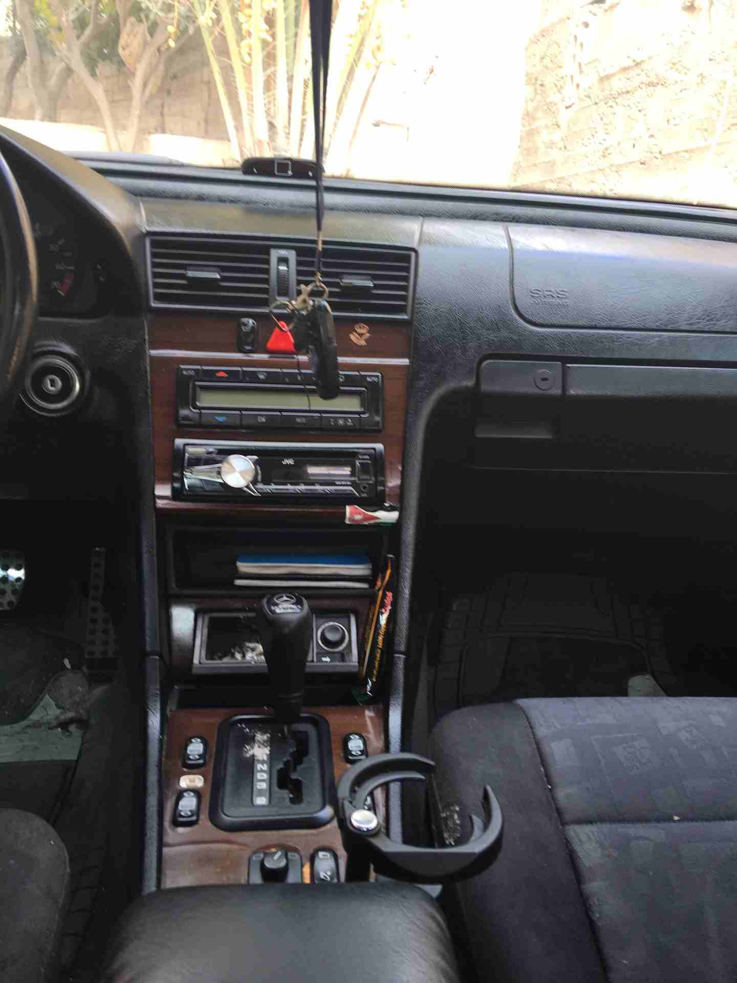 I am advertising my 2018 Lexus LX 570for sale, the car is in perfect condition and it runs on low mileage, contact me for more information regarding the s-  c200 للبيع لا تنسَ أنك...
