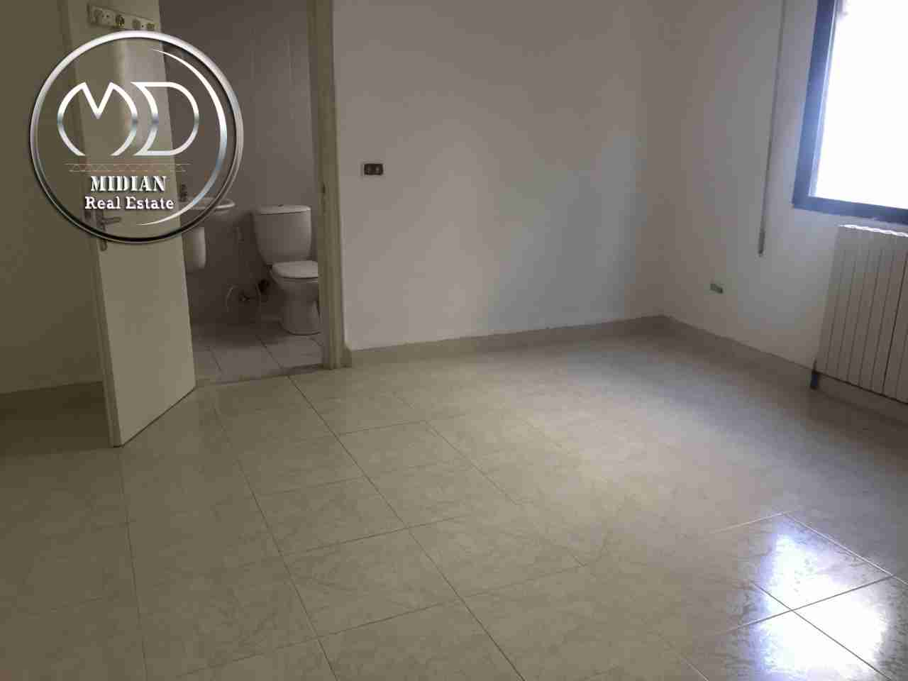 Brand new 1 BHK With 2/bathroom in bain aljesraen (Rabdan area)-  شقه فارغة للايجار الرابيه...