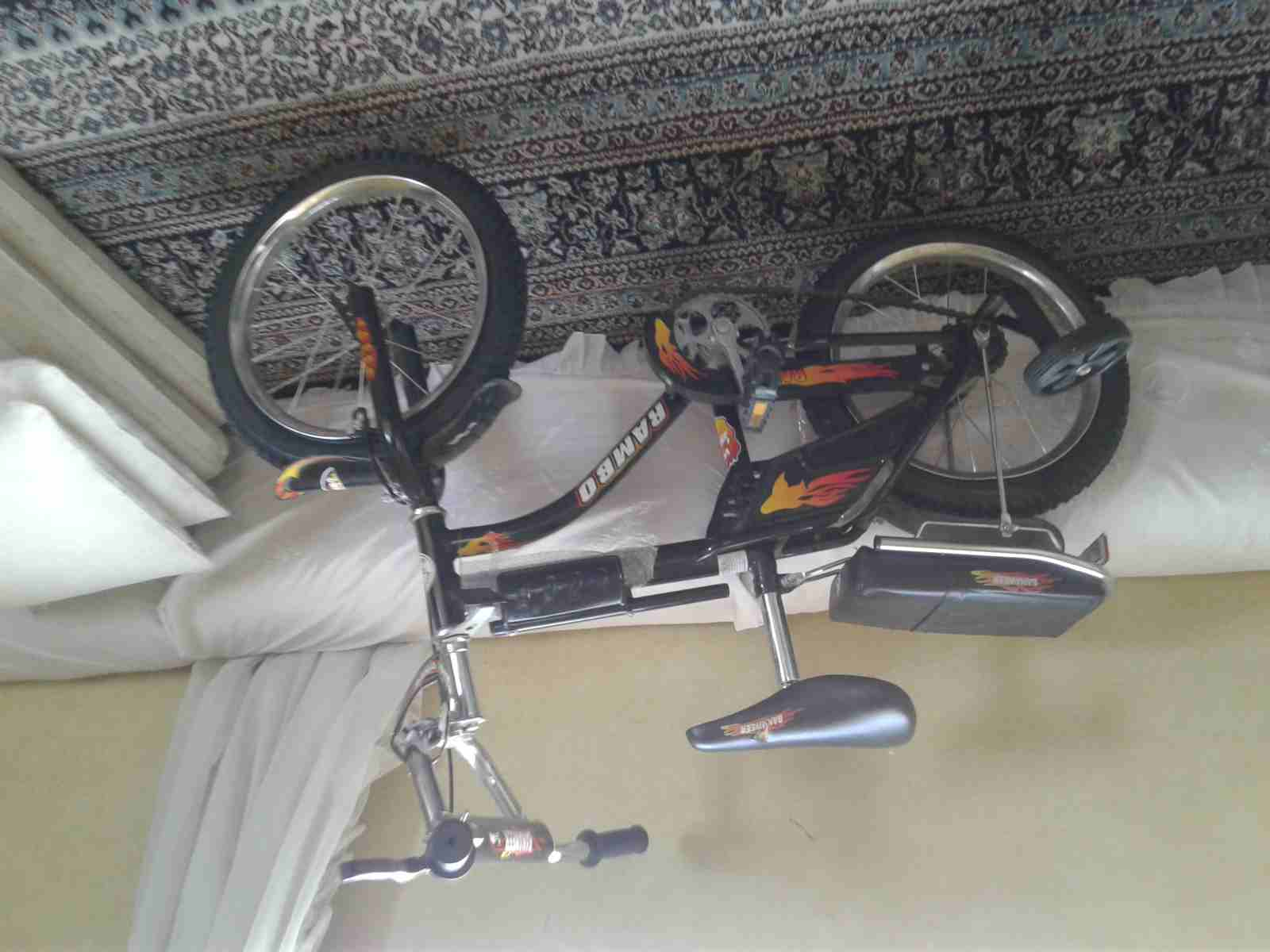 للبيع سيارة كهربائية-  دراجه ا لا تنسَ أنك شاهدت...