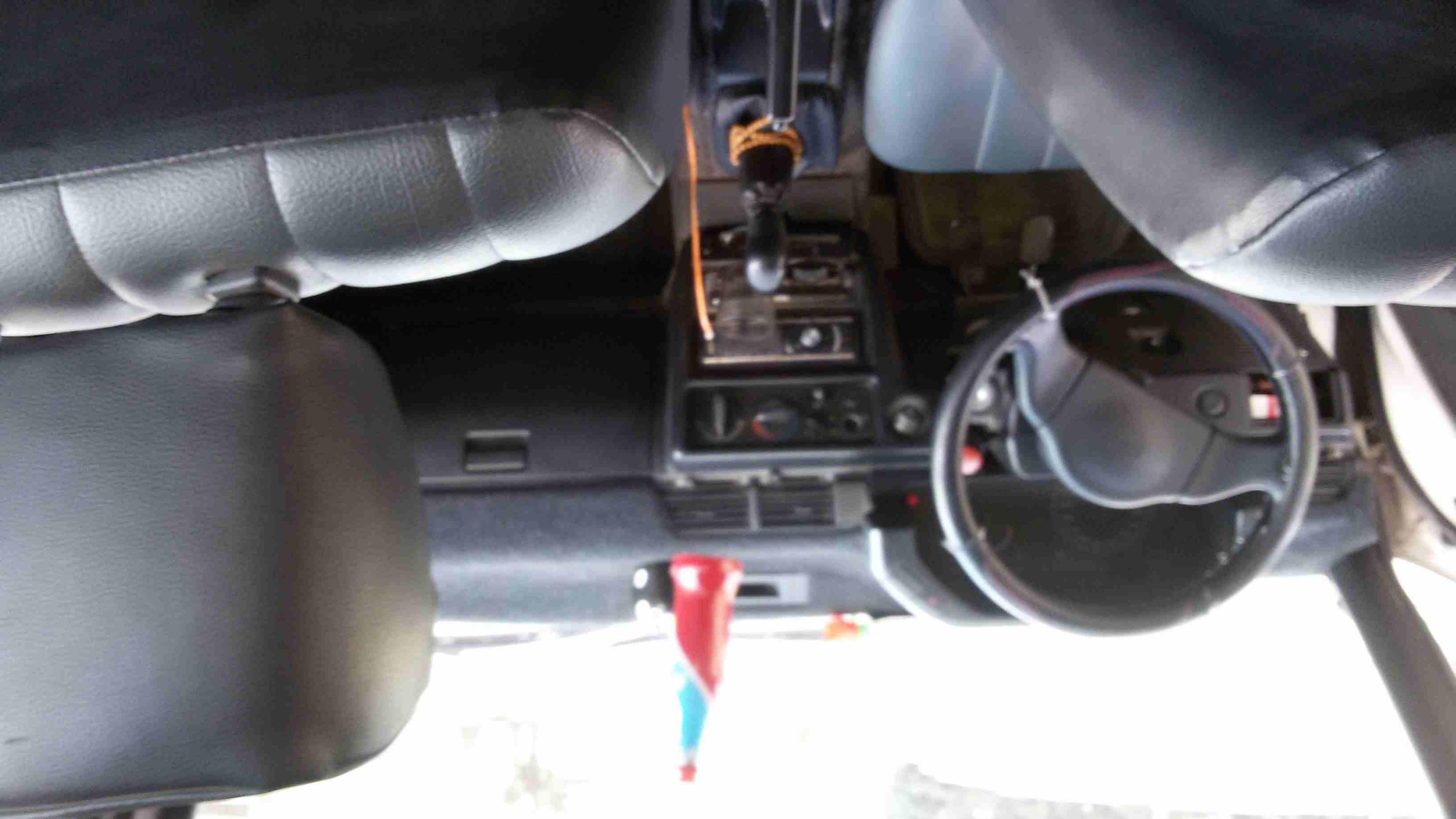تويوتا لاند كروزر برادو 4.0L V6 TXL1 2011 مستعملة-  ميتسوبيشي لانسر 91 اوروبي...