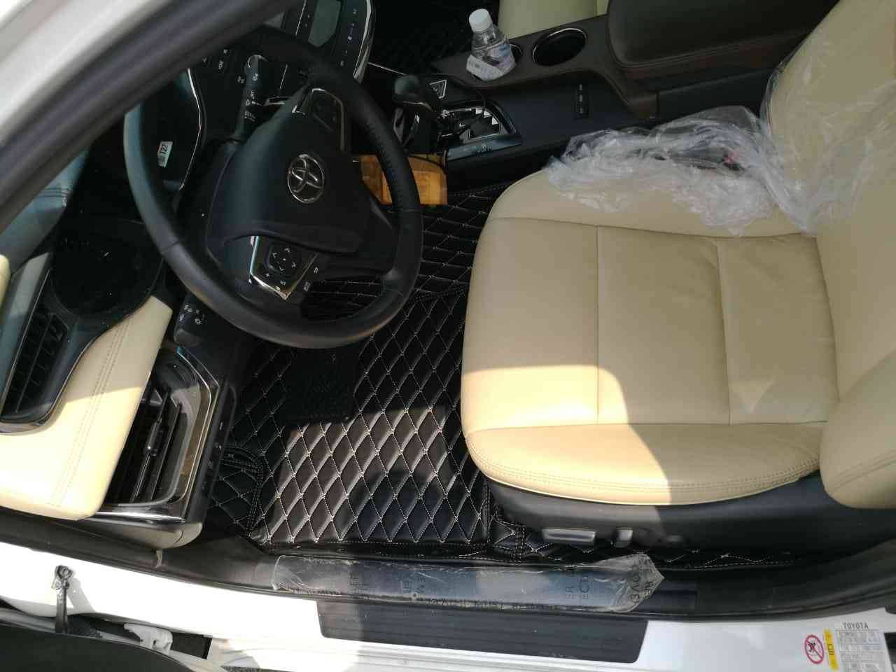 Lexus LX 570 SUV 2017 GCC is very clean like brand new with warranty,White 2017 model, This car has automatic transmission.GCC specs. CONTACT EMAIL: Mrharry1931-  ارضيات جلد دايمن فاخرة...
