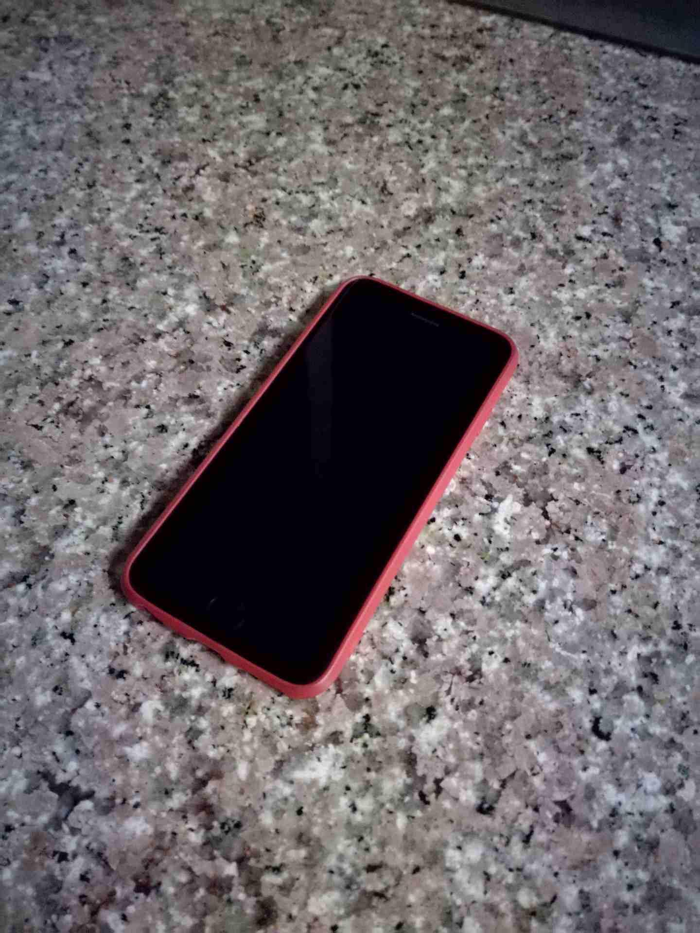 Apple Iphone 8 256GB GOLD COLOUR-  iphone 6 .. 64 giga...