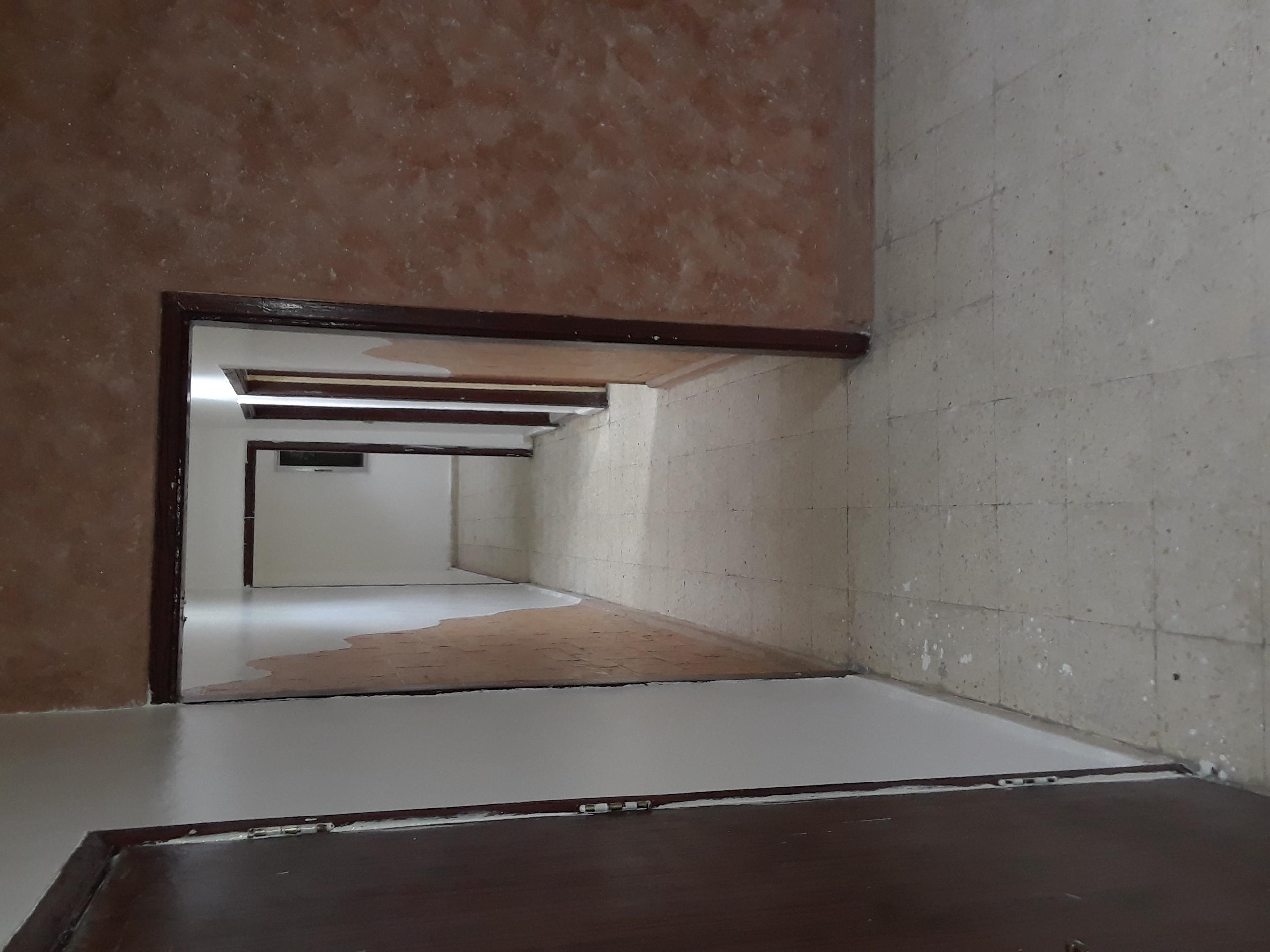 Amazing Deal |Massive | Desirable Location | Grab Now!-  شقة للايجار في ام نوارة...