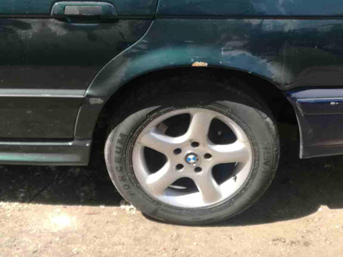 Tire.ae لإطارات السياراتمن خلال التركيز على مزج دعم العملاء الممتاز مع المبيعات، تقدم Tire.ae -  جنط 16 الماني للبيع لا...