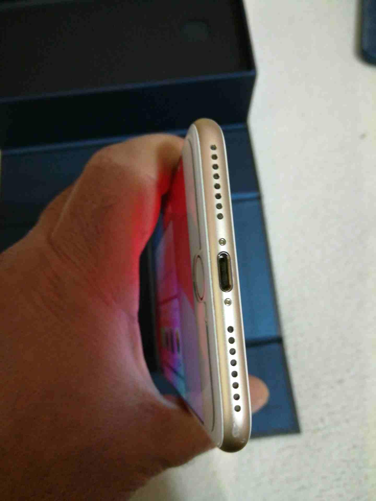 iPhone 12 64gb perfect condition-  للبيع iPhone ايفون 7Plus...