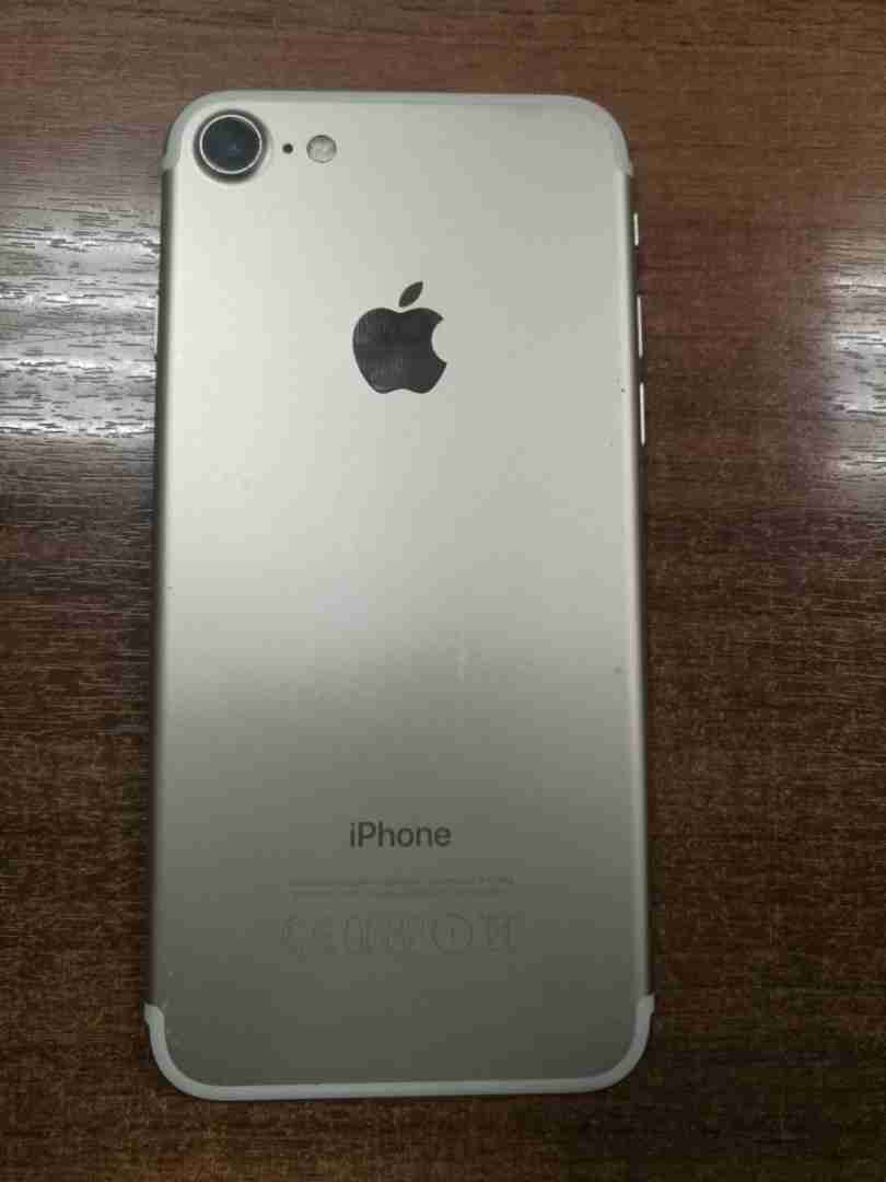 Apple iPhone 7 Plus 128GB( Free iWatch ) Free Shipping Delivery - Dhl , Fedex $350New OriginalApple iPhone 7+ Plus 128GB GSM Unlocked,Sim-Free warranty - Apple -  ايفون 7 32 جيجا مستعمل...