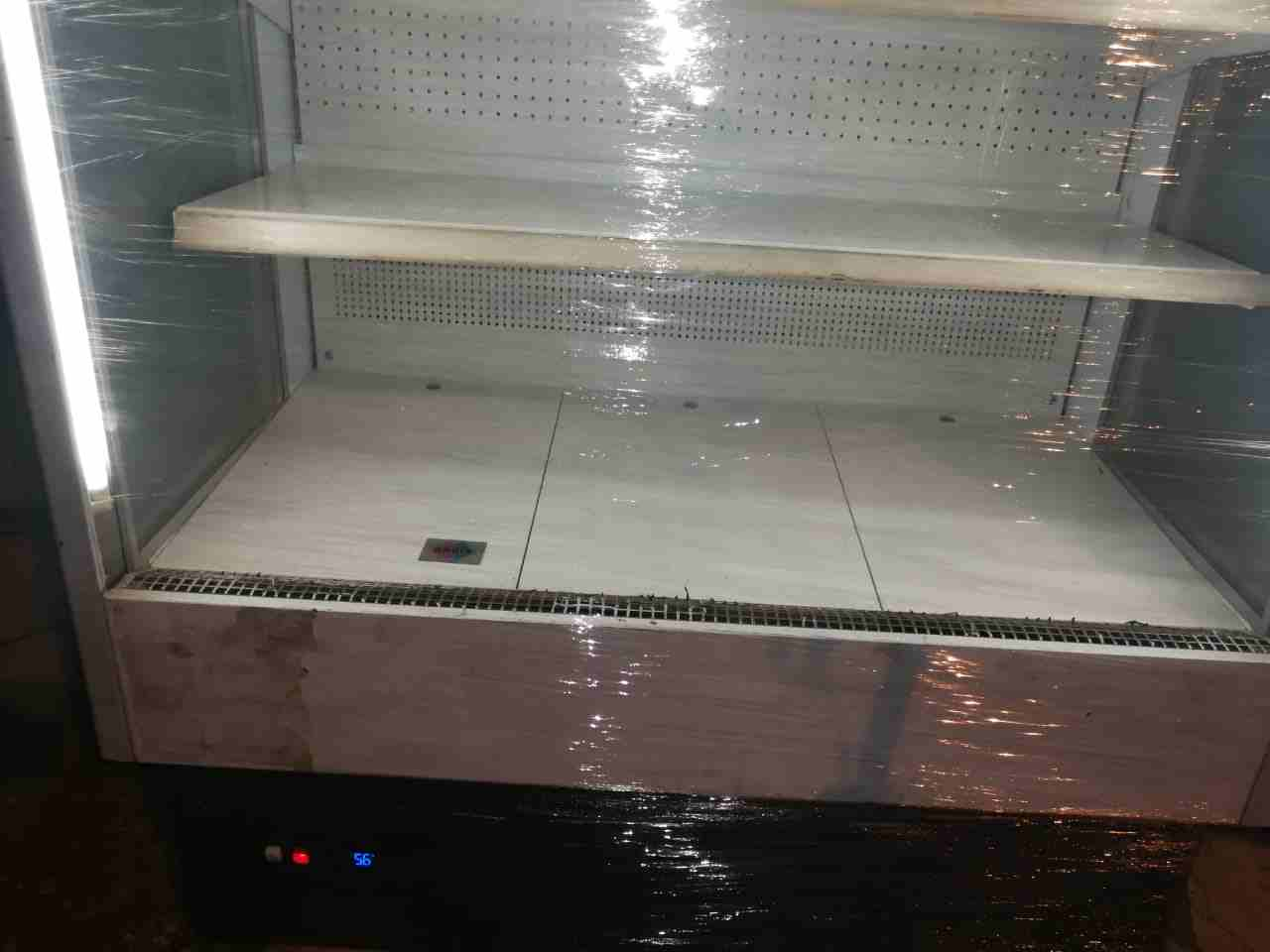 LG latest model fridge with 2doors up and down-  ثلاجة عرض مكشوفة. 1.20...