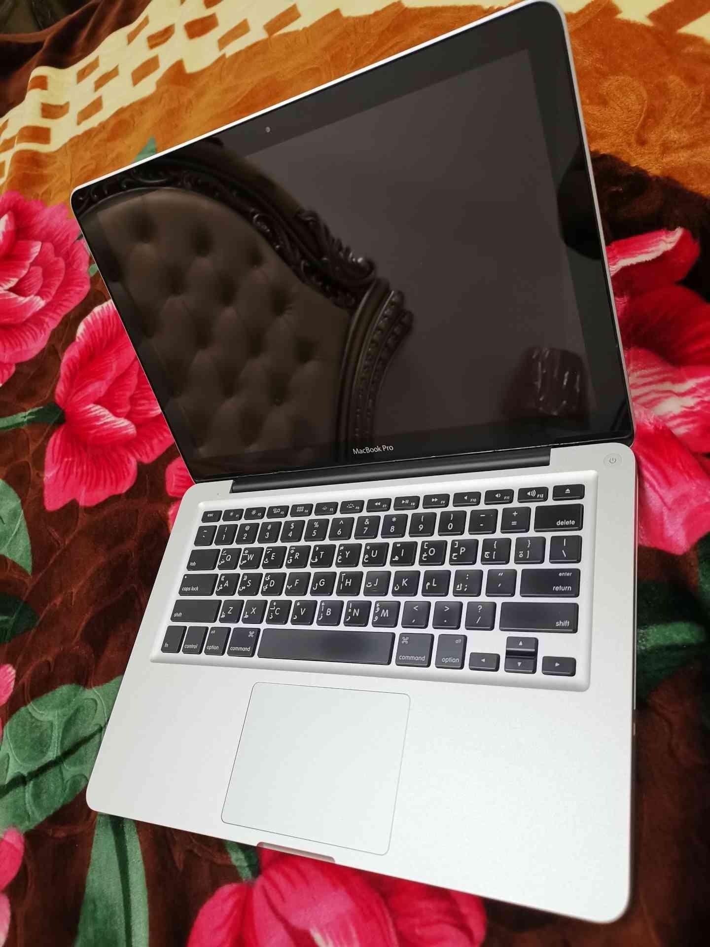 HP LAPTOP, i7 , 4th GENERATION-  ماك بوك برو i7 نظيف كل شي...