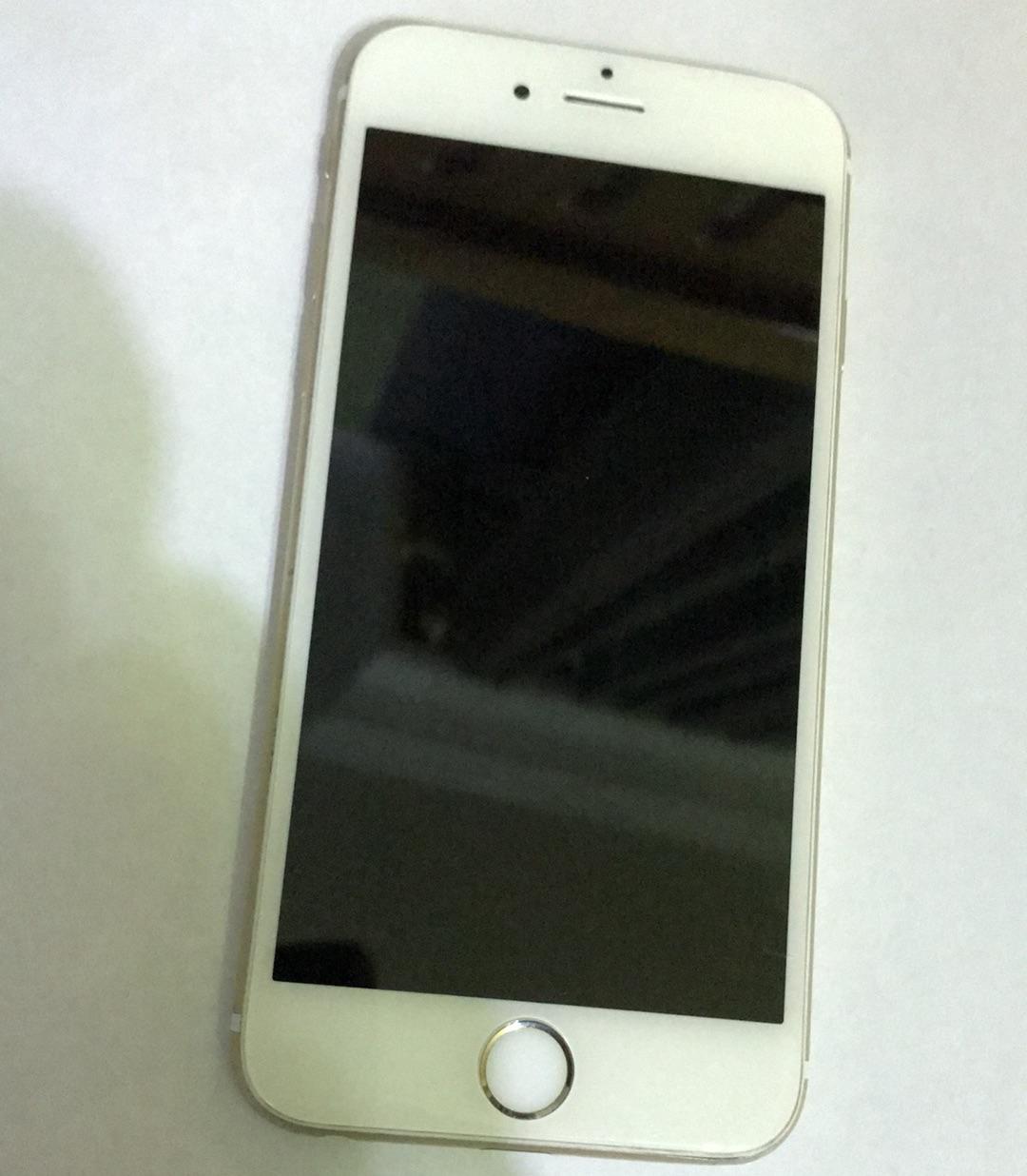 Apple Iphone 8 256GB GOLD COLOUR-  جهاز ايفون 6s للبيع بحاله...