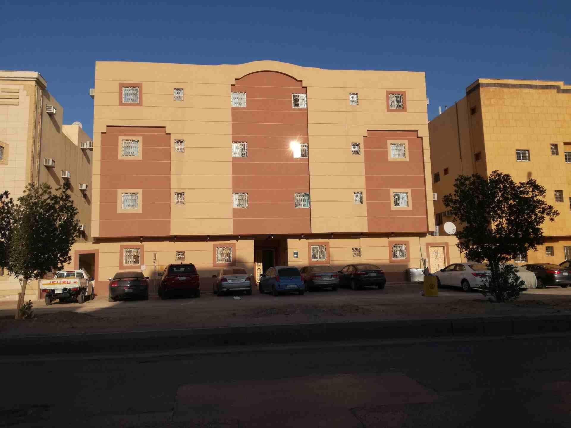 عمارة شقق سكنية للبيع حالة ممتازة...