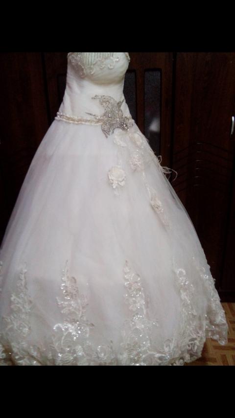 new dresses-  فستان زفاف للبيع لا تنسَ...