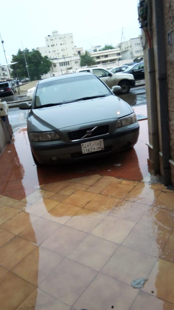 سيارة فولفو S60 قمة النظافة ماشاء الله...