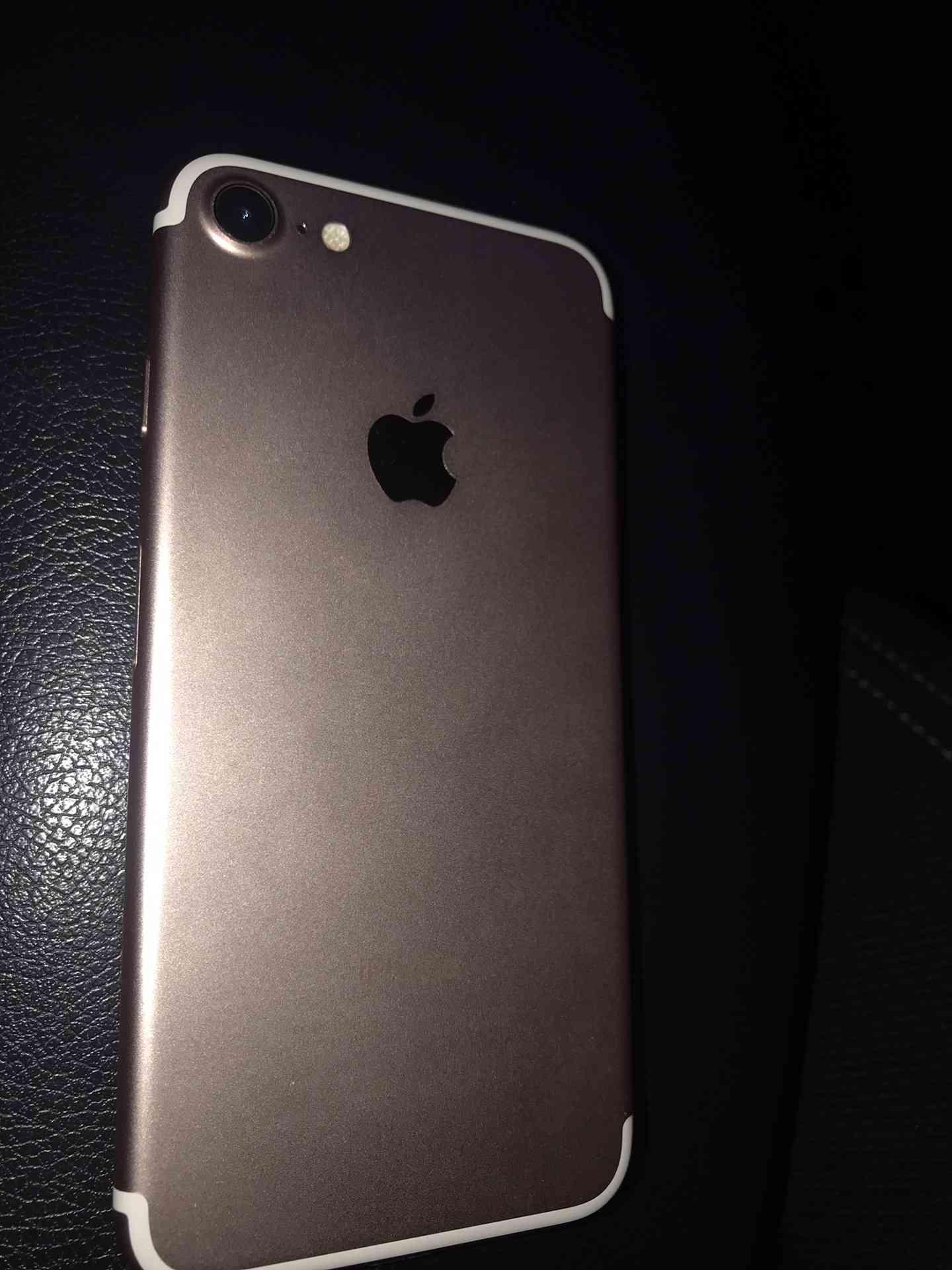 Apple Iphone 8 256GB GOLD COLOUR-  ايفون 7 لا تنسَ أنك شاهدت...