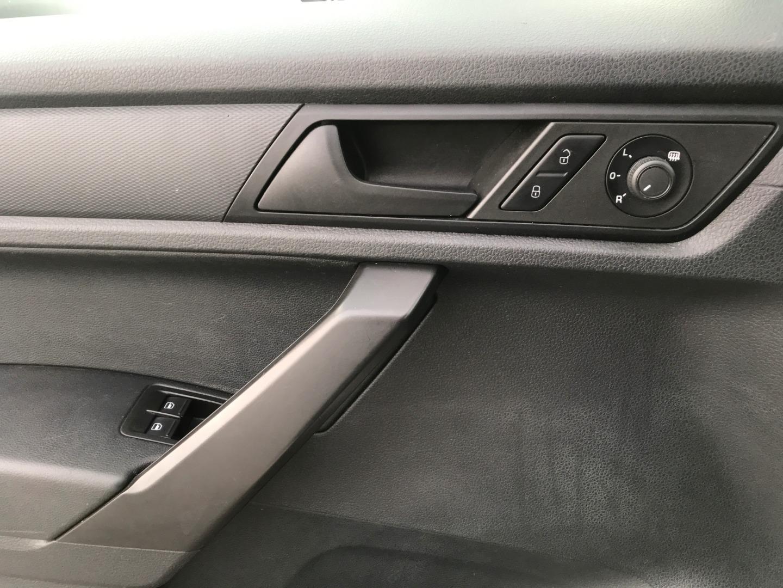 Lexus LX 5702020 model4wd SUV w/ 3rd Row & Luxury Full option Petrol . 8 CYLINDERSwhatsapp +13524406723-  2016 // CADDY    لون:...