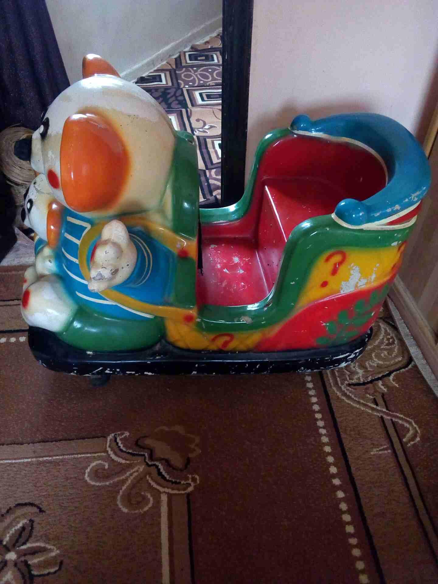 Toys for kids-  سياره كهربائيه تشتغل على...