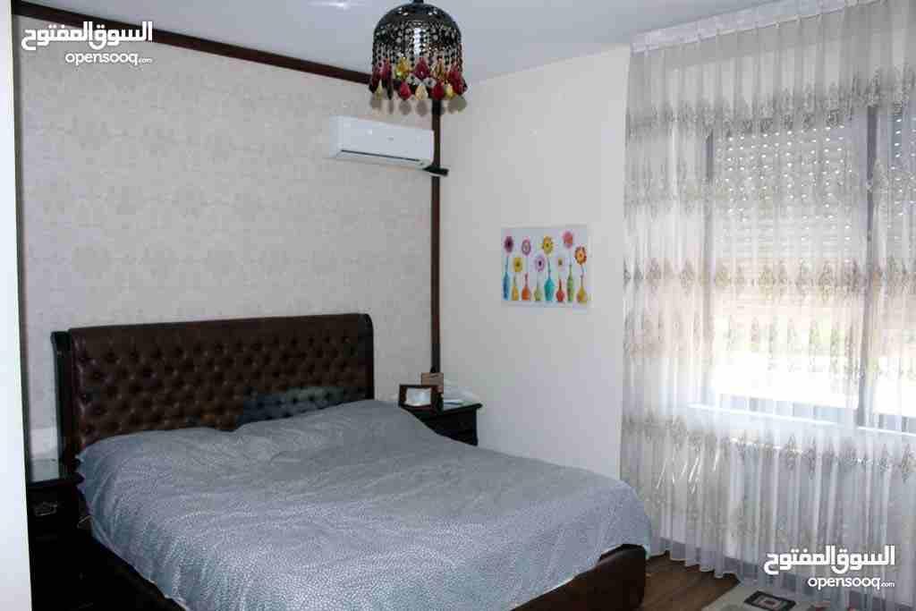 شقة مساحة 175 متر الطابق الثاني بحالة ممتازة جدًا للبيع من المالك...
