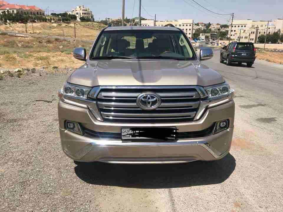 سيارات للايجار باسعار مغرية في عمان 2017 مرسيدس E200  رنج روفر ابيض...