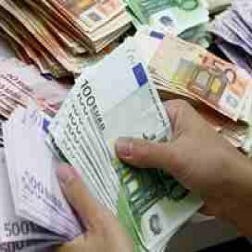 - نحن نقدم جميع أنواع المساعدة المالية لكل الأفراد في حاجة إلى قرض...