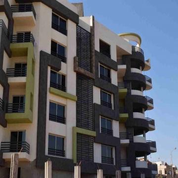 - امتلك بالتقسيط بكنز كمبوند بطريق الفيوم مساحة الشقة : 145م...