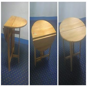 -                          للبيع 4 طاولات خشب زان قابلة للطي بحالة...