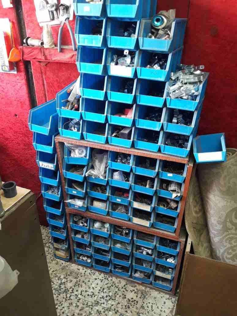 للبيع في جدة تصفية محل مواد بناء مع مستودع...