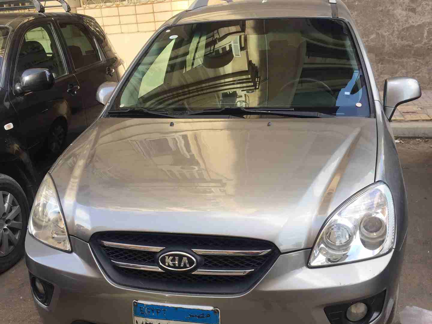 I am advertising my 2016 TOYOTA LAND CRUISER for sale at the rate of $15000 because i relocated to another country, the car is in good and excellent condition, -  أرخص كيا كارنز 2011 هاي...