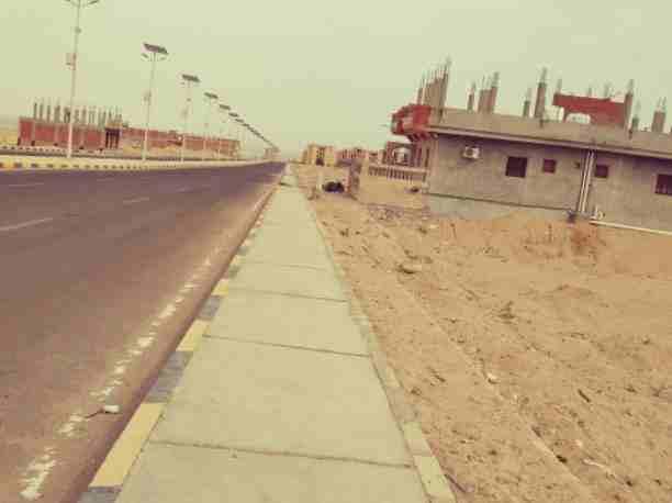 ارض سكنية بالمنامة 450 متر زاوية شارعين فقط 90 الف درهم-  أرض للبيع بسفاجا بتقسيمات...