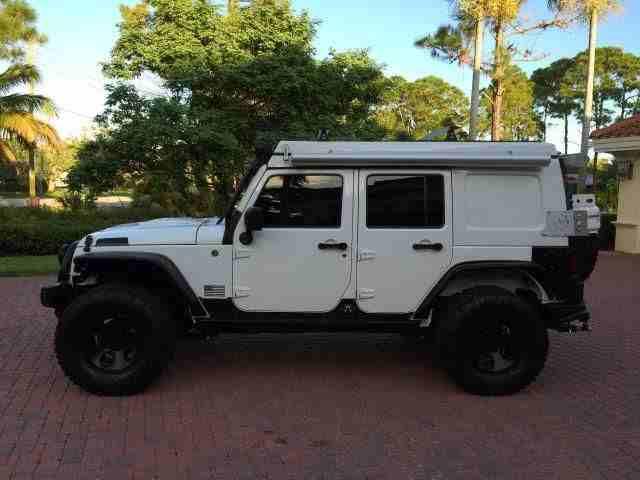 لكزس 400 موديل 2000-  2013 Jeep Wrangler...