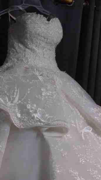 فستان زفاف بسعر مغرى جدااا