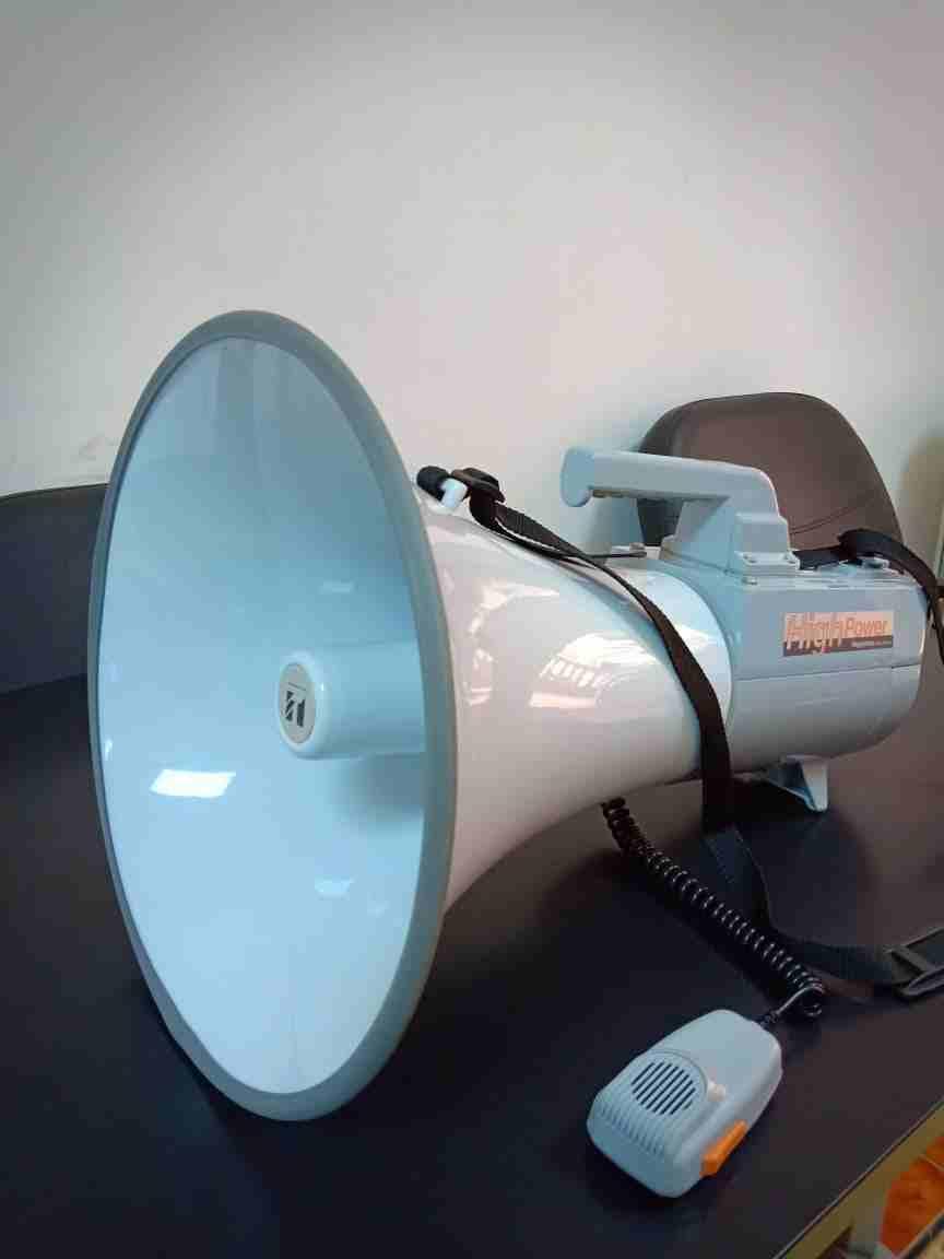 #[2001] <br>#[2002] <br>كما عودتكم شركة جولد ماستر على تقديم الاحدث والافضل في مجال اجهزة كشف الذه�-  مكبر صوت ( ميكرفون ) يحمل...