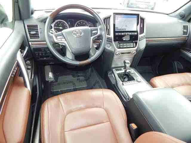 I am advertising my 2016 TOYOTA LAND CRUISER for sale at the rate...