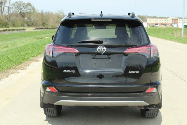 I want to sell my neatly used 2017 Toyota RAV4 XLE, in good and...