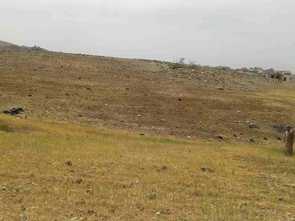 للبيع ارض بخليفة أ شارع عادي 100*100 بسعر 3250-  الأردن   عمان قطعة ارض في...