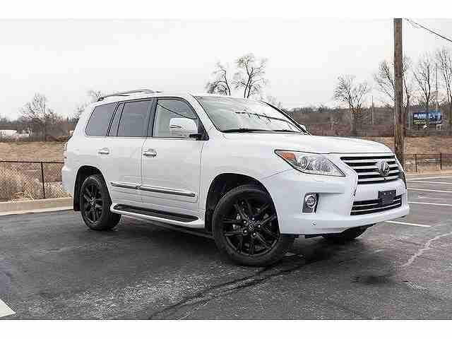 I want to sell my 2015 Lexus LX 570 4WD 4dr, i am moving out of the...