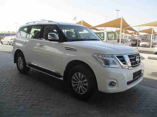 2016 Nissan patrol le platinum in good shape, clean and it is...