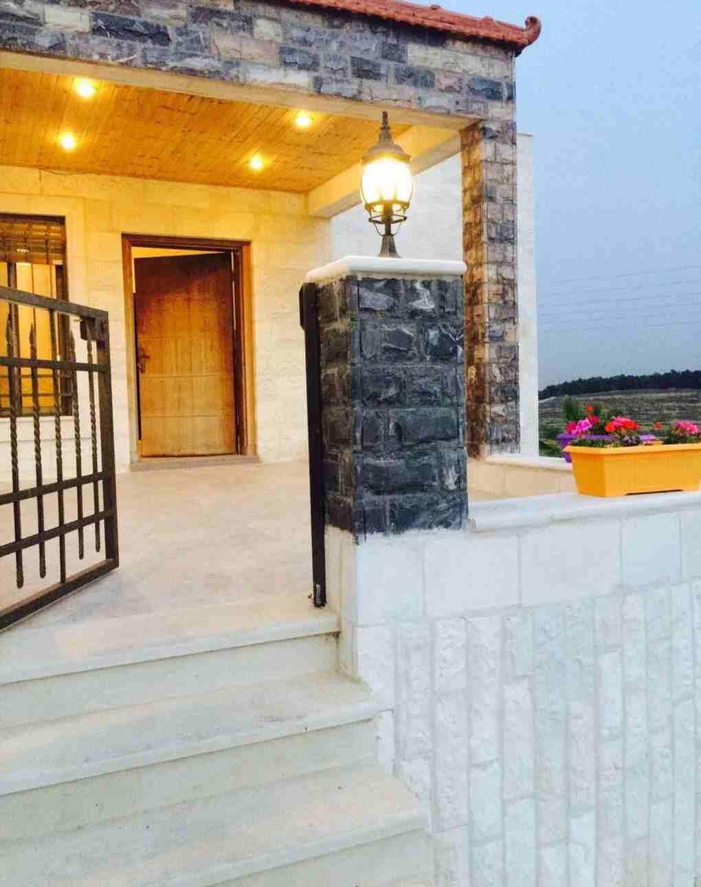 فيلا سوبر ديلوكس للبيع في شارع السلام مرج الحمام  مساحة البناء: 650...