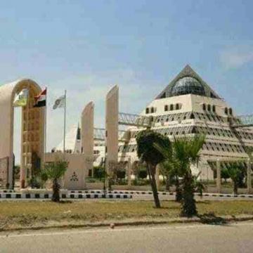- على طريق البحث العلمي مباشرة وامام مجمع كليات برج العرب 276...