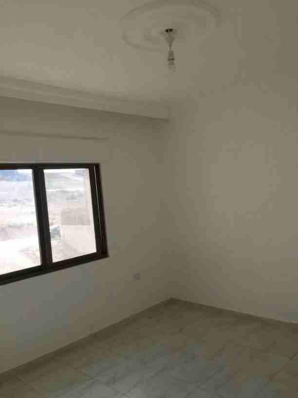 شقة للبيع  منطقة ماركا الشمالية مساحة 105 م دفعة أولى 5000 دينار...