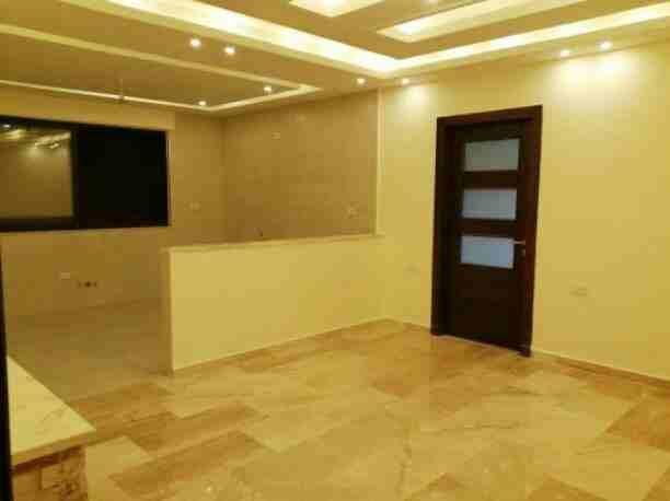 شقة للبيع  منطقة طبربور مساحة 120 م دفعة أولى 10000 دينار اقساط...