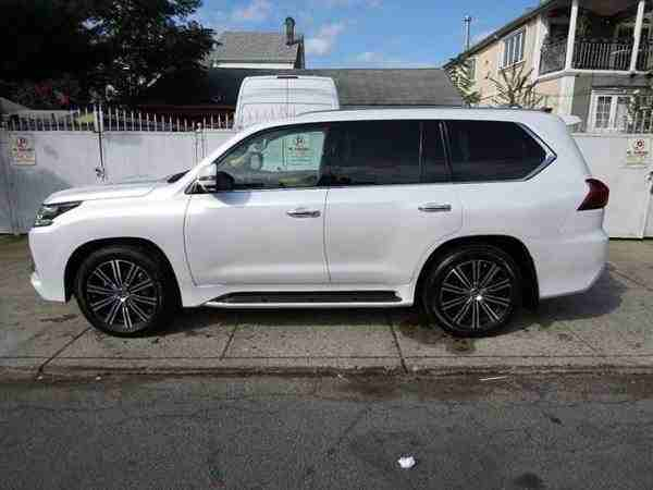 I want to sell my 2015 Lexus LX 570 4WD 4dr, i am moving out of the country, the car has been used only few times, No mechanical Fault, No accident, Single Owne-  المشتري المهتم واتساب:...