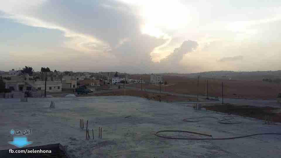 ارض سكنية بالمنامة 450 متر زاوية شارعين فقط 90 الف درهم-  الأردن   عمان مبنى تجاري...
