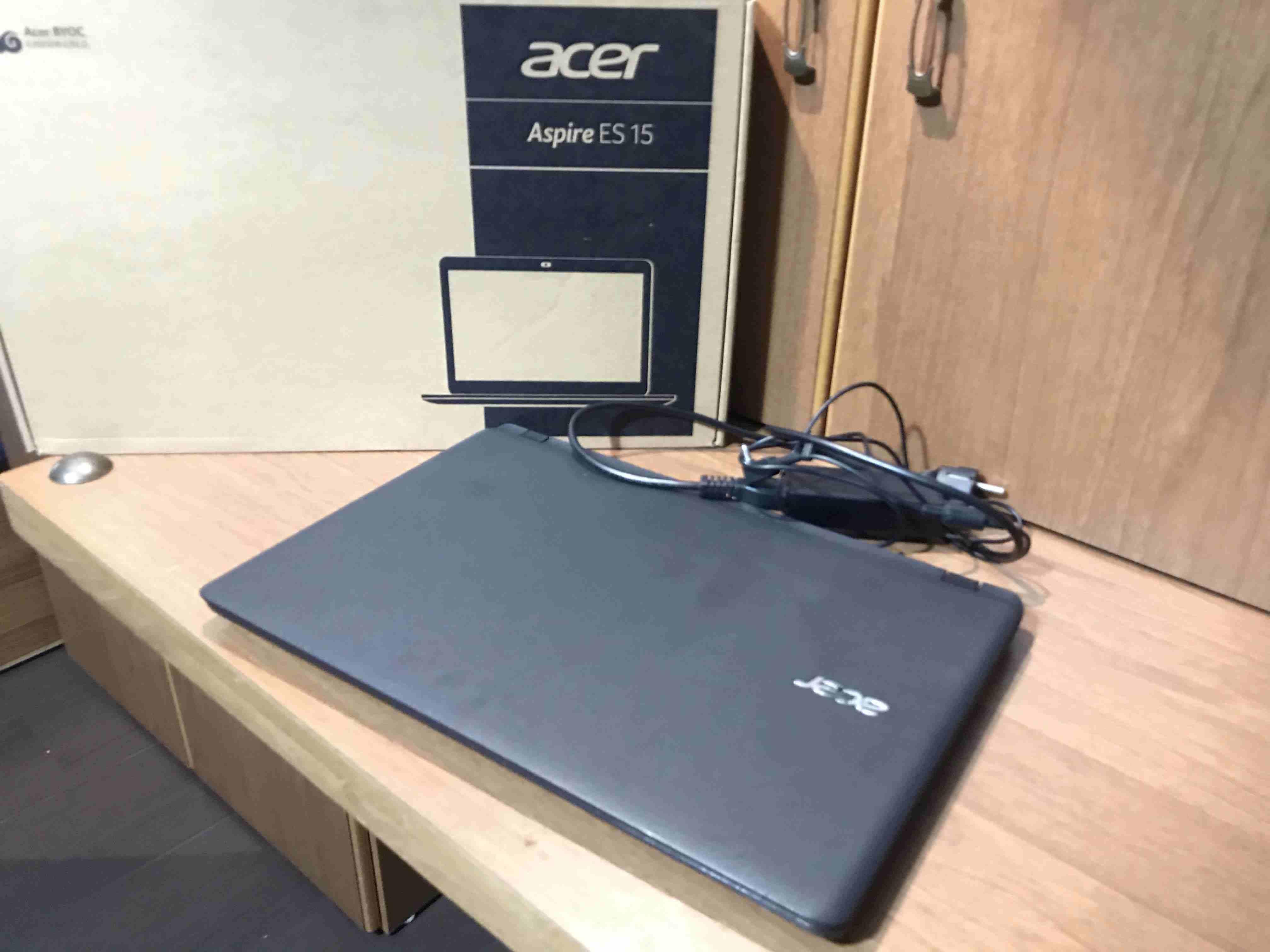 hp laptop great condition-  لابتوب ايسر Core i3 12GB...