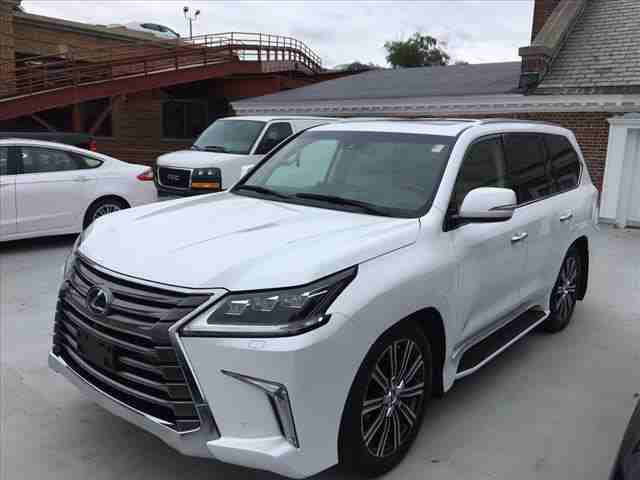 I want to sell my 2015 Lexus LX 570 4WD 4dr, i am moving out of the country, No mechanical Fault, No accident, Single Owner, contact me for more details:Callrob-  2018Lexus LX...
