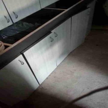 - خزاين مطبخ خشب مستعمل