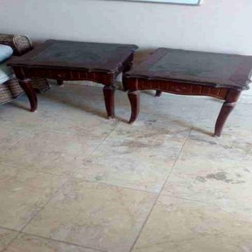 - طاولات مستعمل