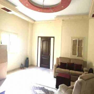- للايجار شقة دوبلكش ارضى وبيزمنت الياسمين 7 الارضى 4 حجرة نوم +3...