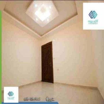 - شقة للبيع  منطقة طبربور مساحة 120 م دفعه أولى 10000 دينار اقساط...
