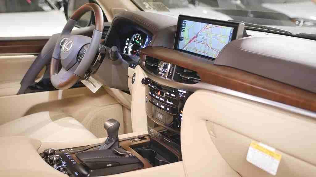 نيسان جوك SL Turbo 2014 مستعملة-  2020 Lexus LX 570 4WD SUV...