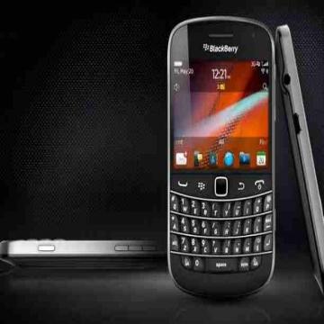 - Blackberry bold 9900 brand new  آخر جهاز مافيش منه تآني  الجهاز...